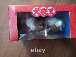 Toyami Inuyasha VS Sesshomaru hot topic limited edition figure set. All pieces