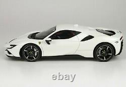 1/18 Ferrari Stradale Sf90 Avus Blanc Avec Affichage Ltd 18 Pièces Bbr P18180d1