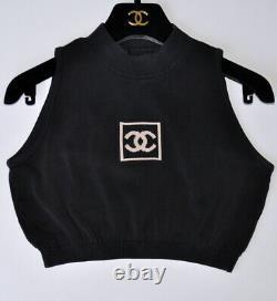 Chanel Plus Recherché Iconic Vintage CC Logo Croped Top, 36/38, Pièce De Collection