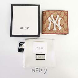 Gucci Beige & Brown Ny Yankees Édition Gg Patch Wallet Nouveau