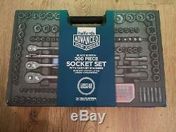 Halfords Avancée 200 Piece Socket Ratchet Spanner Set Limited Edition Noir