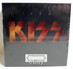 Kiss Casablanca Singles 74-82 (ensemble Boîte En Vinyle 29x7 45rpm) + Ensemble D'aimants 26 Pièces
