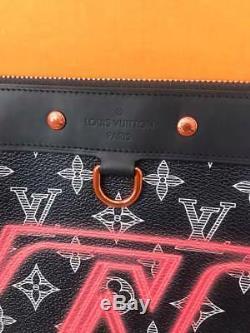Louis Vuitton Pochette Découverte Upside Down Gm En Édition Limitée