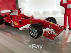Michael Schumacher 75ème Win Ferrari F1 F2004 Hotwheels 118 Costume Race Piece Coa