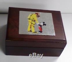 Montre & Patch 911 De Disney Mickey Mouse Fireman Firefighter Edition Limitée