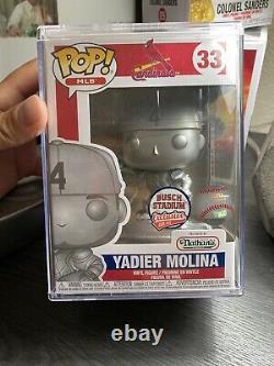 Yadier Molina Funko Pop Platinum Limited Edition 400 Pieces Exclusif